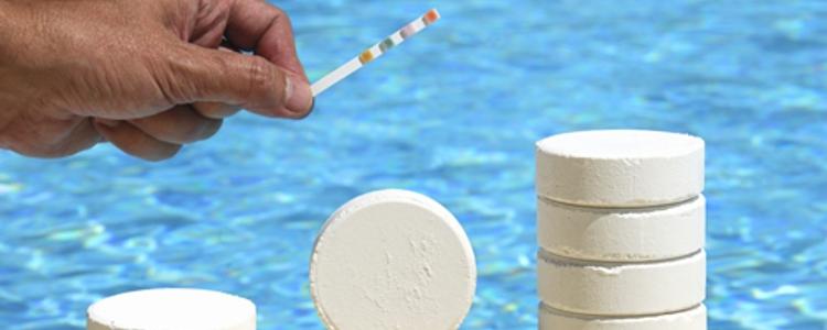 Geeignete Poolpflegeprodukte für optimale Wasserwerte